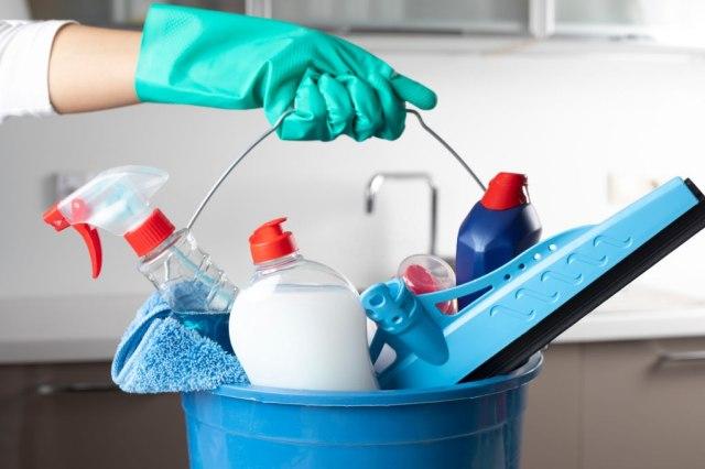 Cara Membuat Disinfektan dengan Wipol